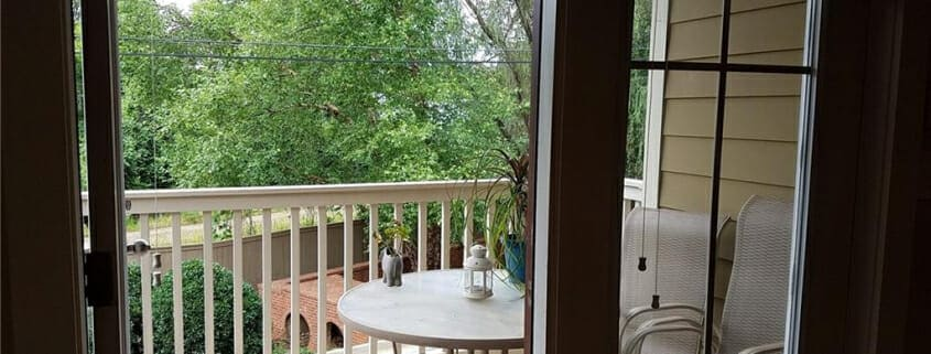 Grant Park condo rental - Covered balcony