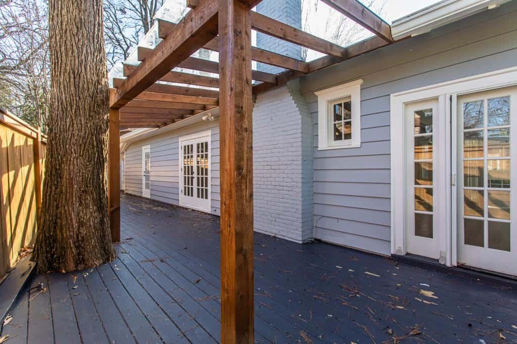 Side deck - Virginia Highland bungalow for sale - 973 Todd Road, Atlanta, GA 30306
